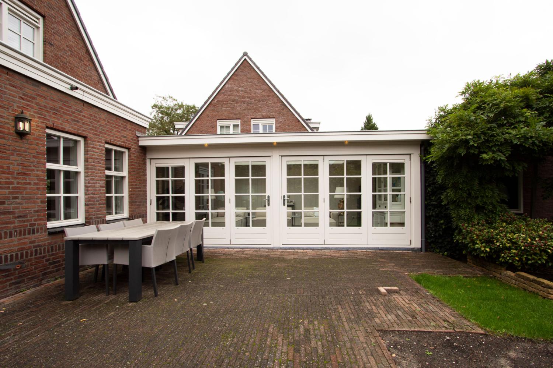 Klassieke serre te Den Haag
